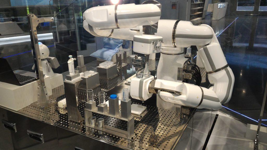 医療ロボットビデオ撮影 ミライに挑戦する今を撮影いたします。より多くの人にドキドキするミライを届けましょう